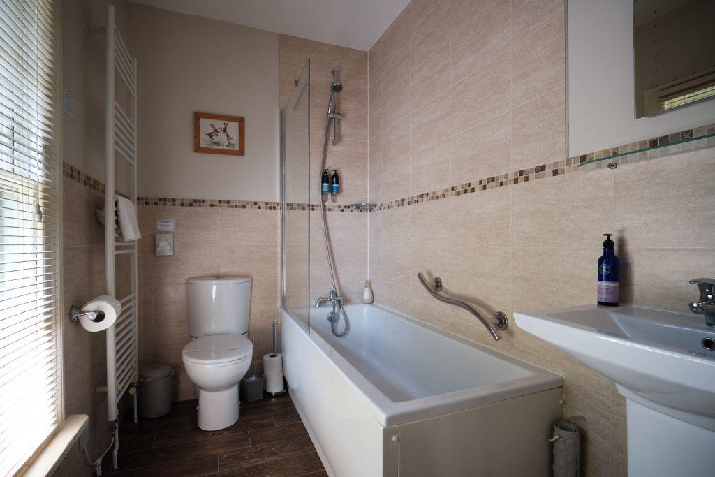 The bathroom in the Horace & Herbert Suite
