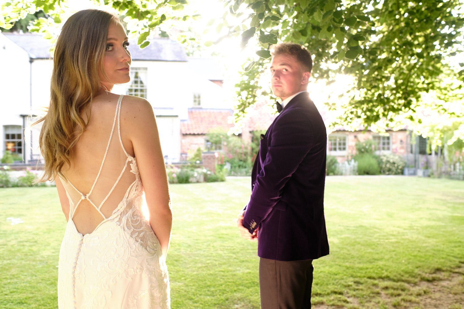 A bride & Groom at The Elm Tree